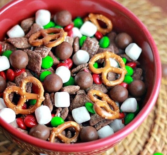 Reindeer Food is The New Holiday Tradition Your Kids Will Love
