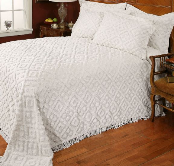 Chenille Bedspreads.Stylemaster Diamond Chenille Bedspread In White Or Beige