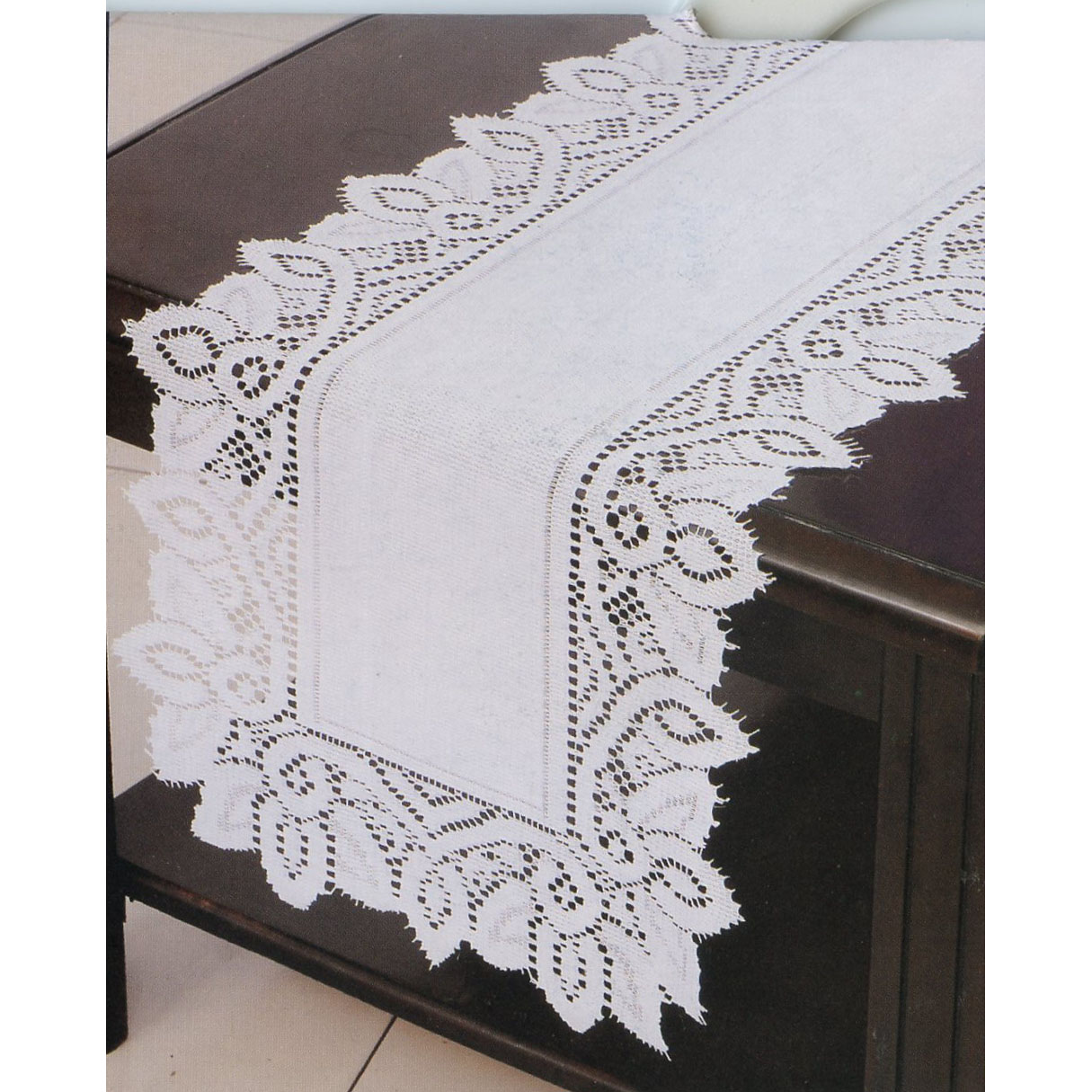 White Luxurious Lace Dresser Scarves Doilies And Placemats